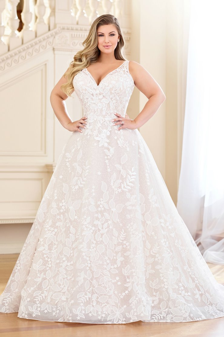 Whimsical Floral and Leaf Lace Motif A-Line Gown, Plus Size
