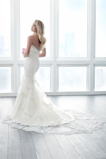 Christina Wu Brides Style No. 15617