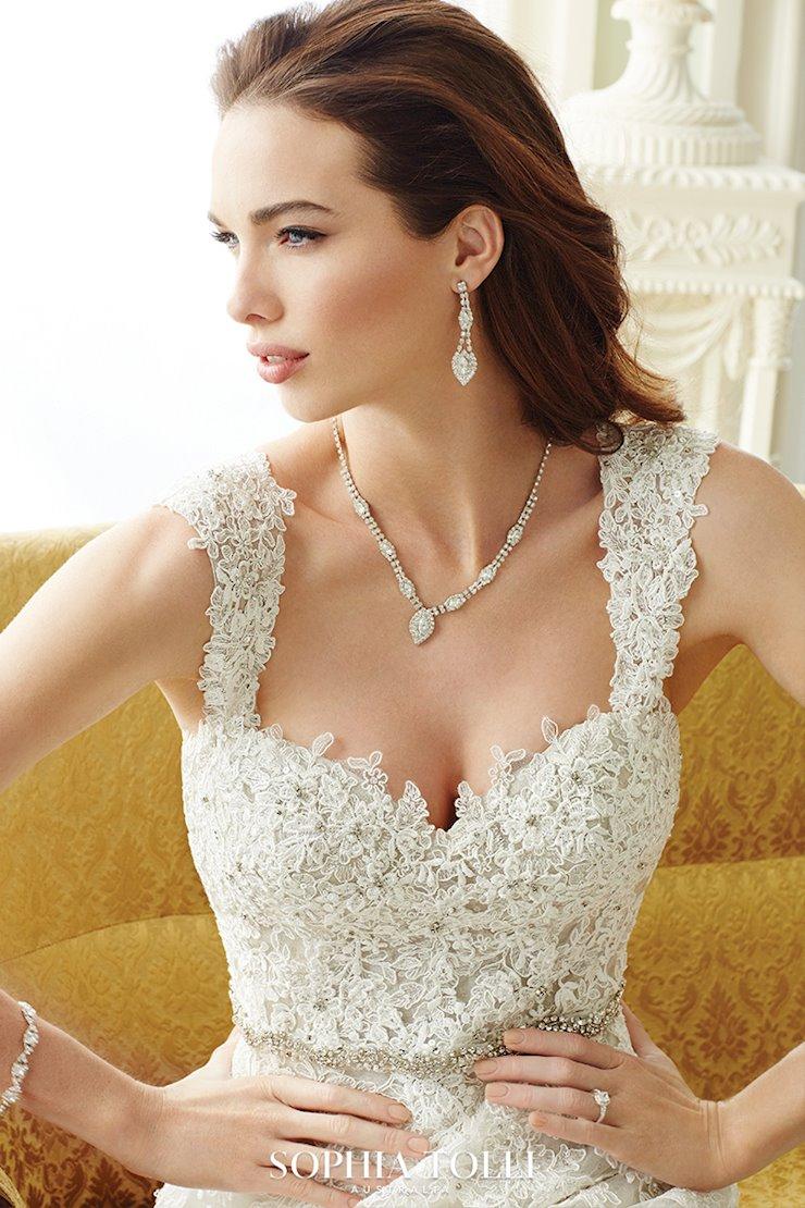 Sophia Tolli Prinia