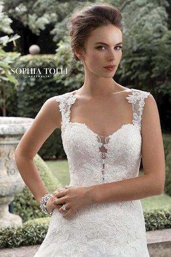 Sophia Tolli Deon