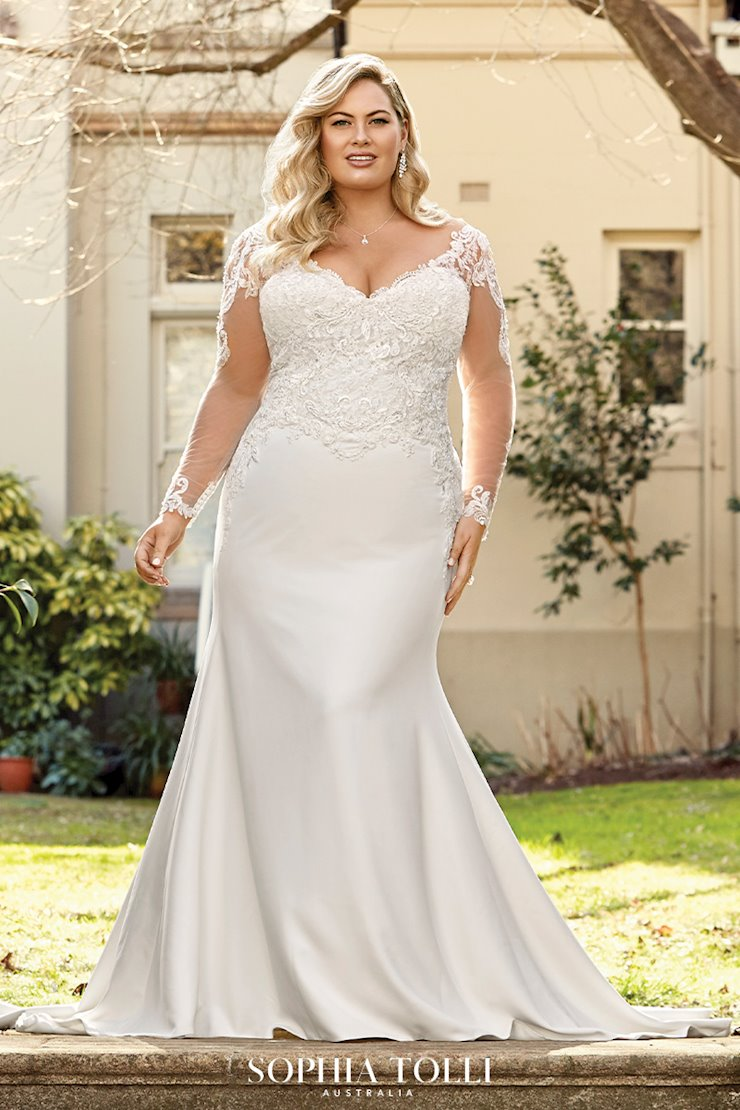Modern Lace and Crepe Wedding Dress Brooklyn