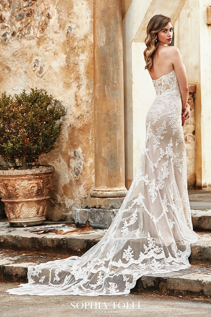 Romantic Lightweight Beach Wedding Dress Bridget