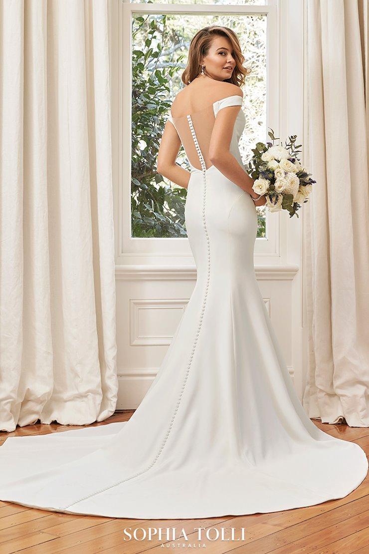 Elegant and Classic Off-Shoulder Wedding Dress Simone