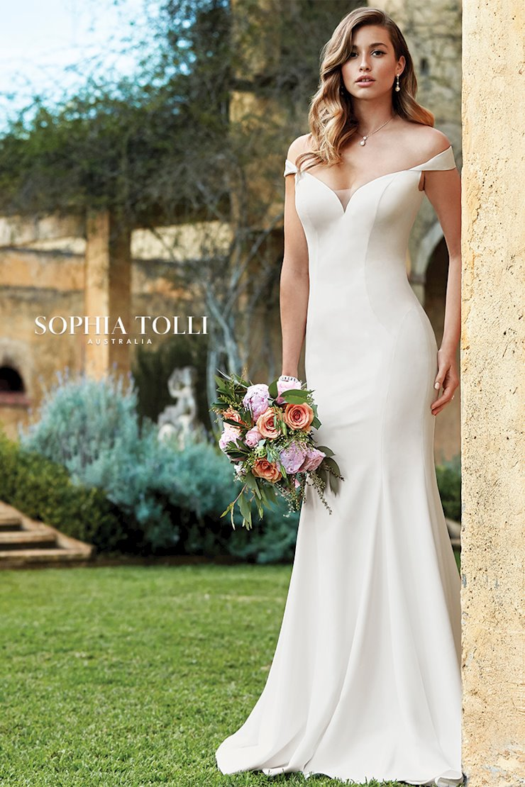 Elegant and Classic Off-Shoulder Wedding Dress Simone