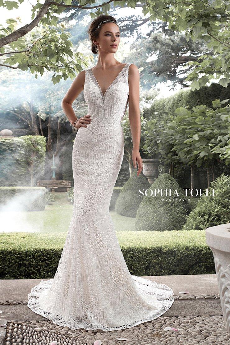 Sophia Tolli Aquarius