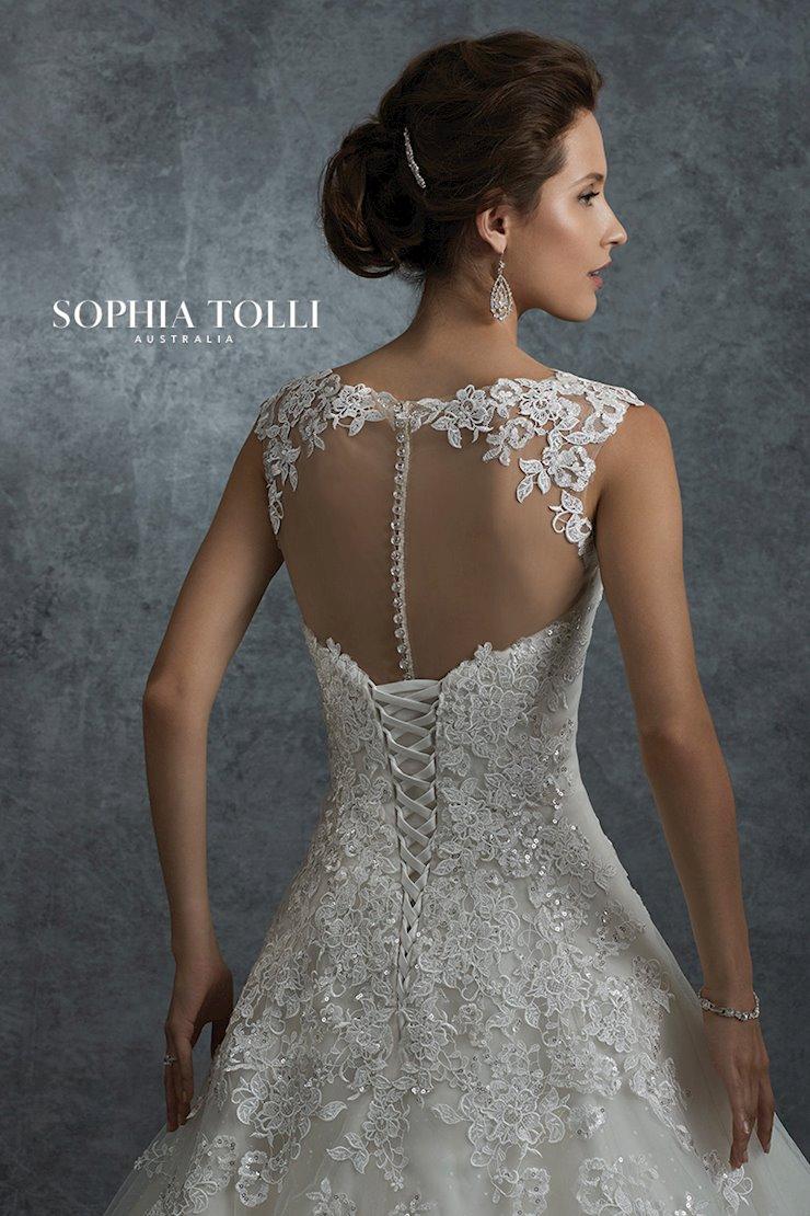 Sophia Tolli Orion