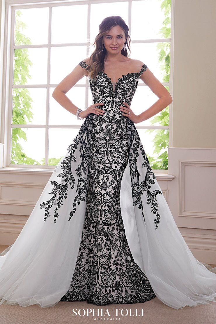 Unforgettable Lace Two-Piece Wedding Gown Obsidian