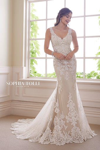 Vintage Lace Fit and Flare Wedding Gown Ametrine