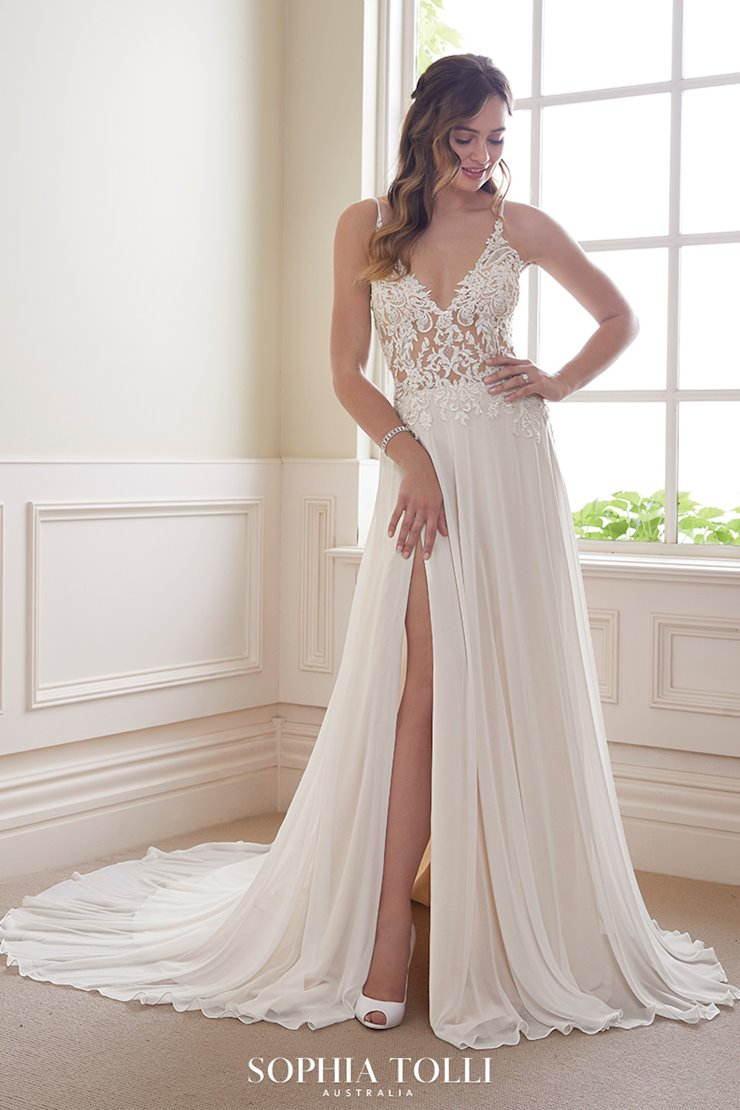 Ethereal Casual Beach Wedding Dress Quartz