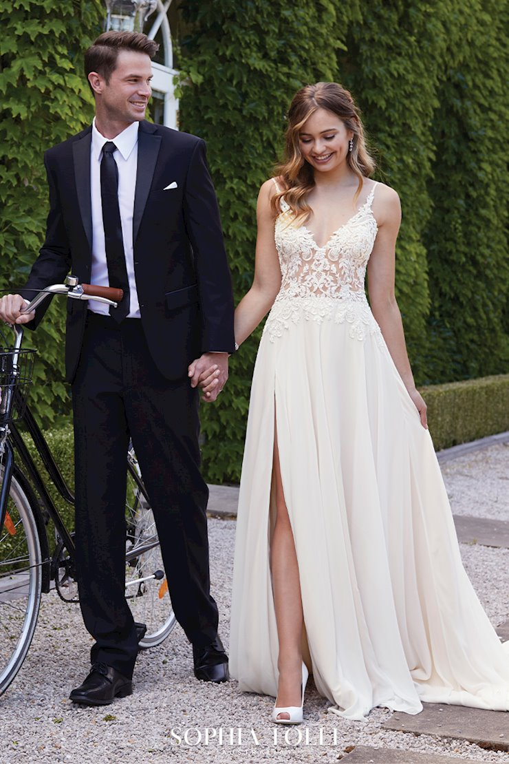 Ethereal Casual Beach Wedding Dress Quartz