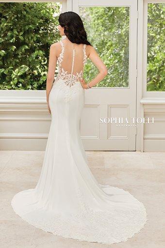 Sophia Tolli Y21972