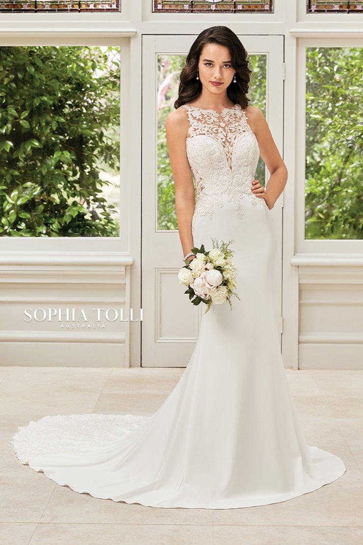 Sophia Tolli Hollie