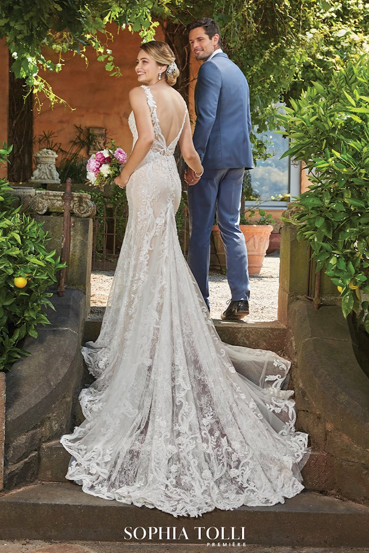 Luxe Lace Wedding Gown with Dramatic Train Yasmine