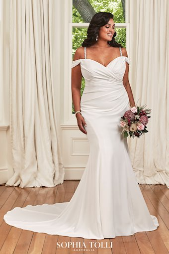 Simple and Stunning Ruched Wedding Dress Ines