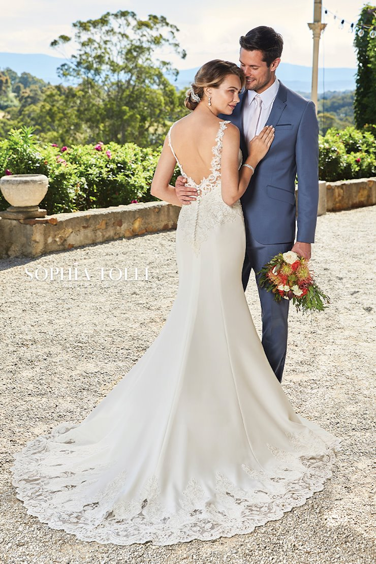 Timeless Wedding Dress with Cutout Train Elaina