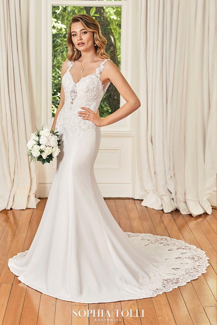 Timeless Wedding Dress with Cutout Train Elaina