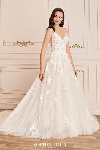 Timeless Romantic A-Line Wedding Dress Florentina