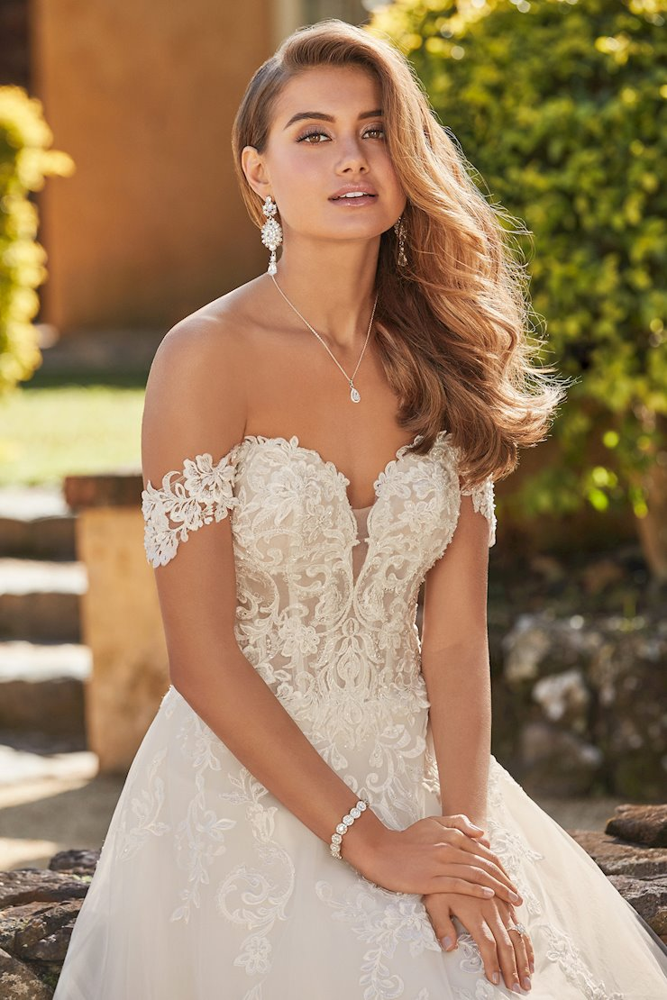 Breathtaking Off-Shoulder Wedding Gown Serina