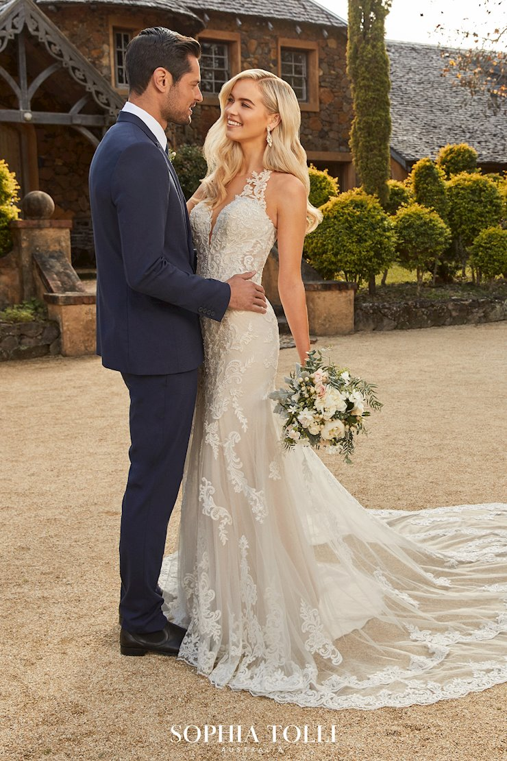Show-Stopping Lace Gown with Feature Train Megan