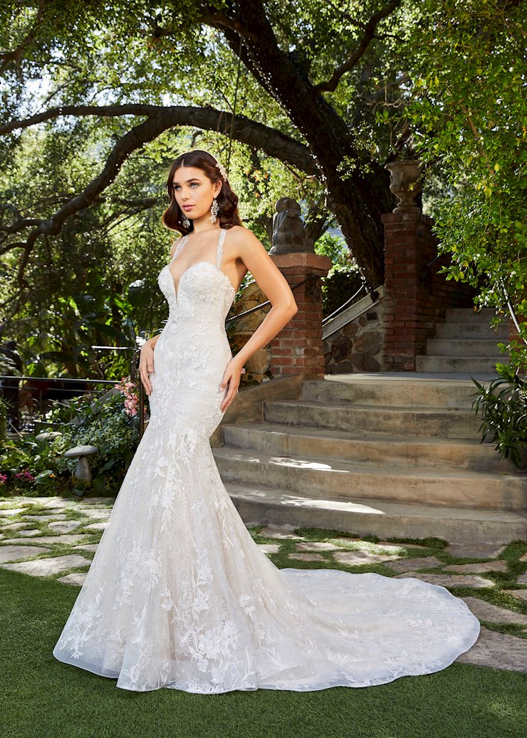 Casablanca Style #2399 Halter Style (removeable) Fit and Flare Chantilly Lace with Beading, Satin and Organza Wedding Dress Image