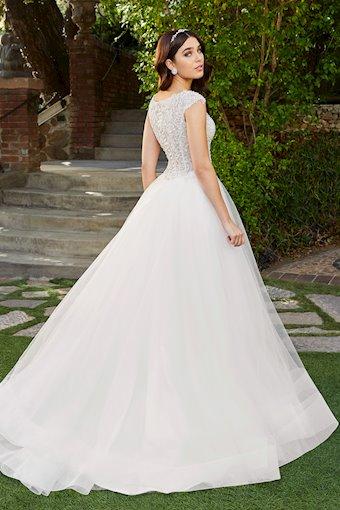 Casablanca Bridal 2402