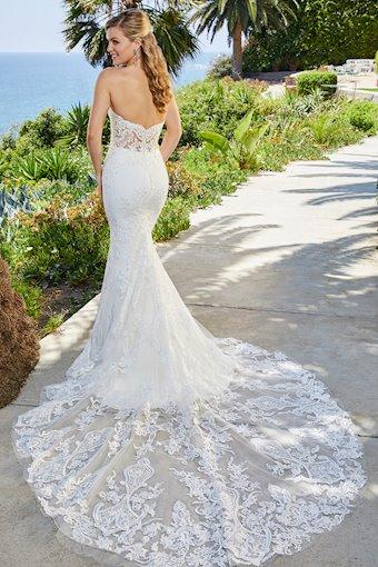 Casablanca Bridal Style No. 2404