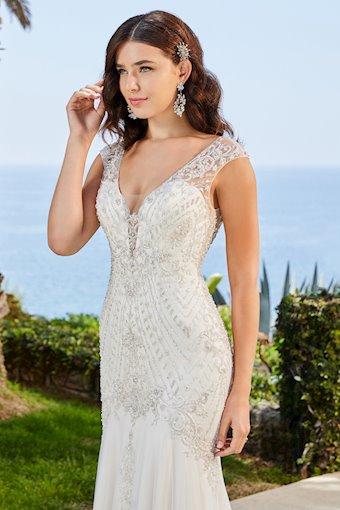 Casablanca Bridal Leilani