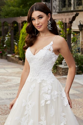 Casablanca Bridal Emery