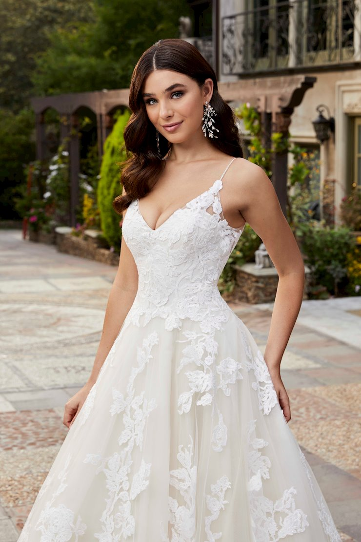 Casablanca Bridal Emery Image