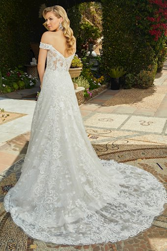 Casablanca Bridal Quinn