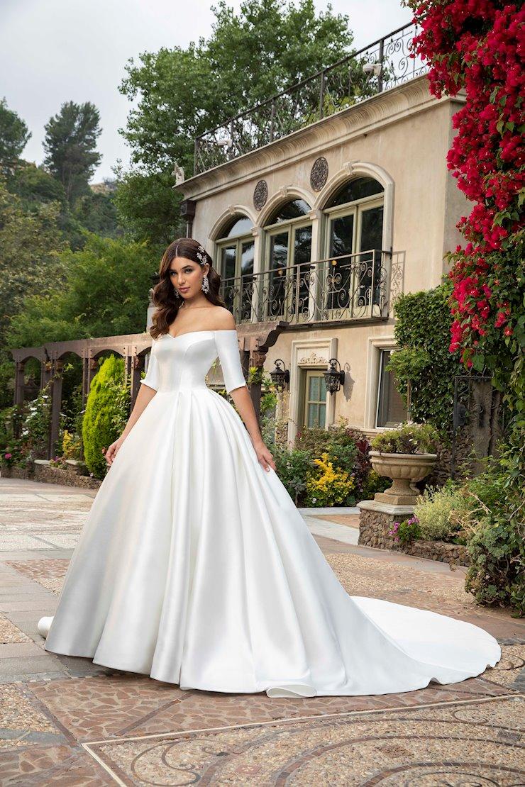 Casablanca Bridal Macy Image