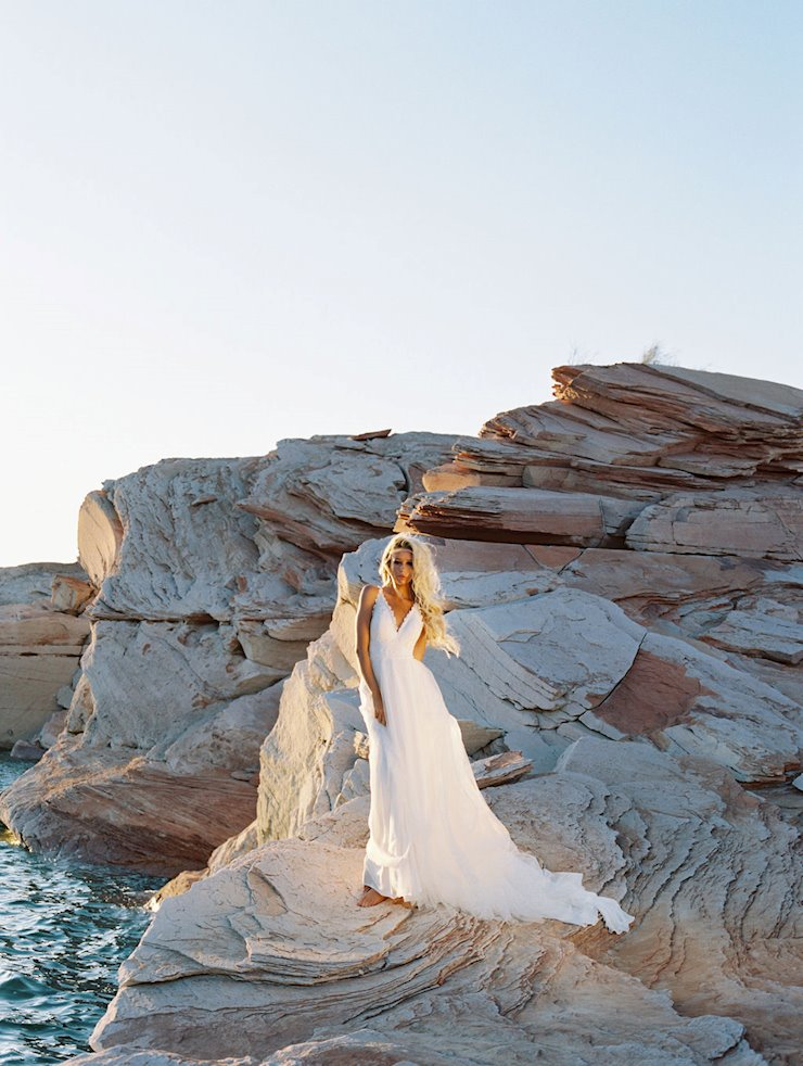 Allure Wilderly Bride Style No. Elenor