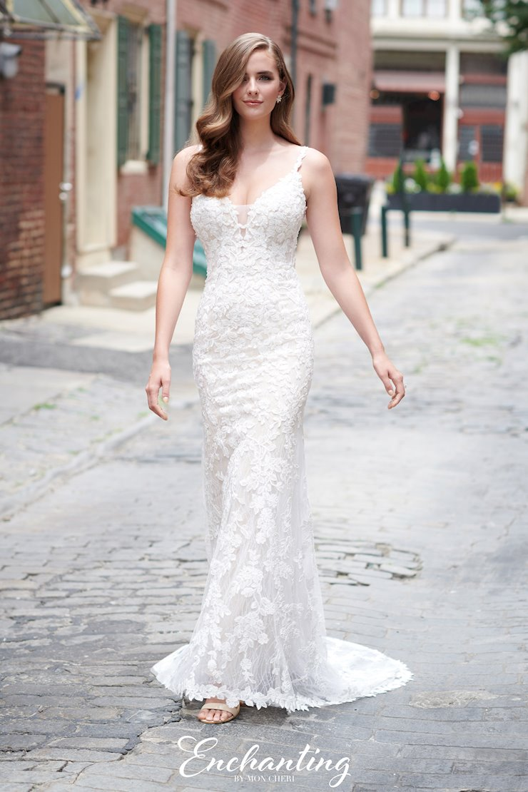 Eye-catching Lace and Glitter Tulle Sheath Gown