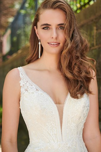 Enchanting by Mon Cheri Style #120180