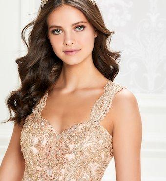 Ariana Vara PR12011