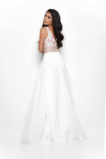 Jasz Couture Style #7009