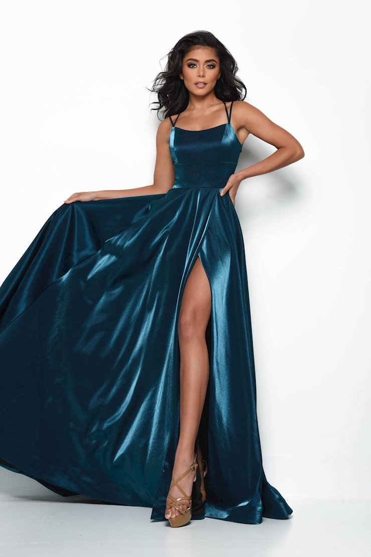 Jasz Couture Style #7015