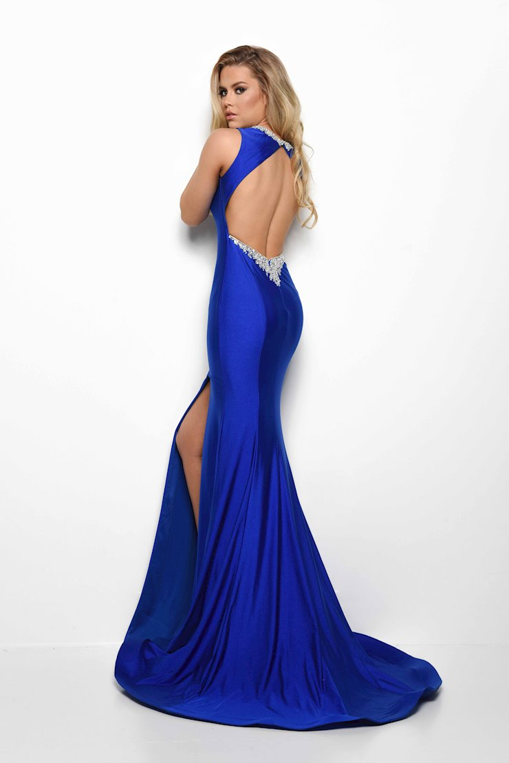 Jasz Couture Style #7016