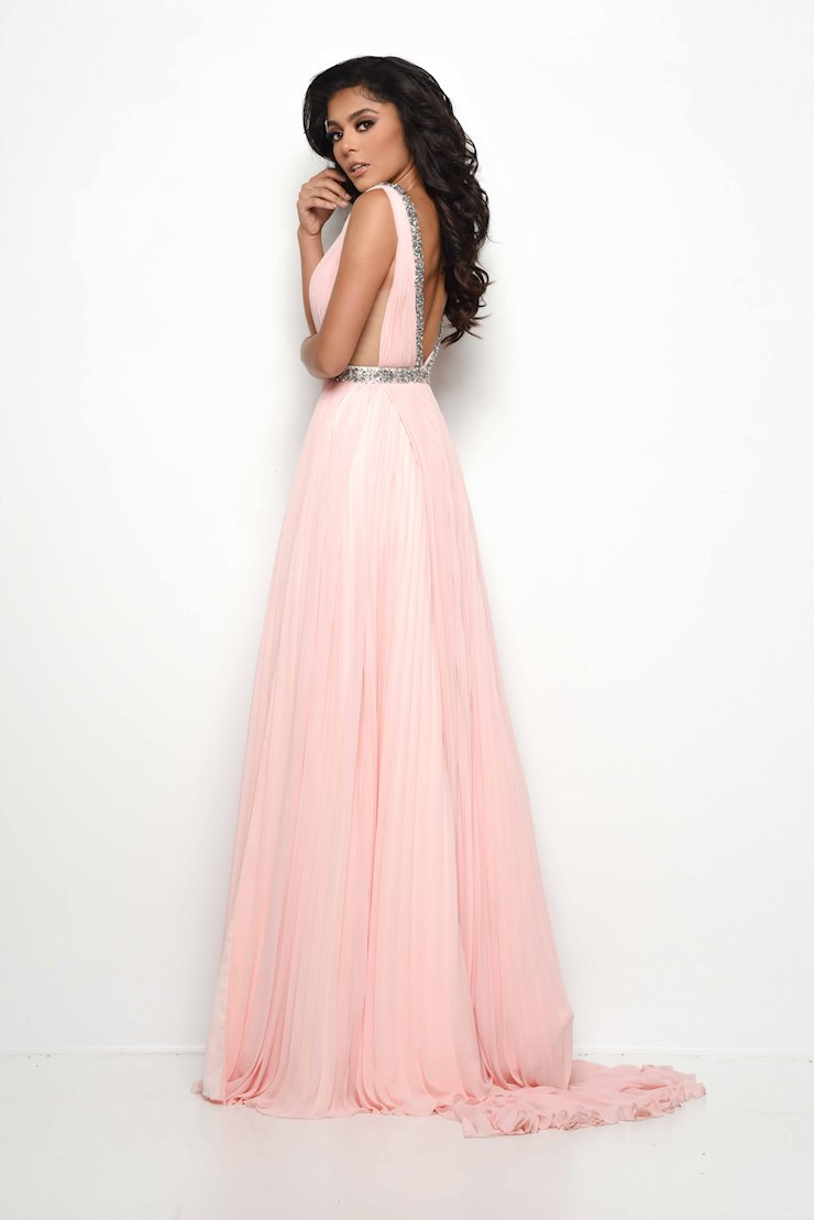 Jasz Couture Style #7020
