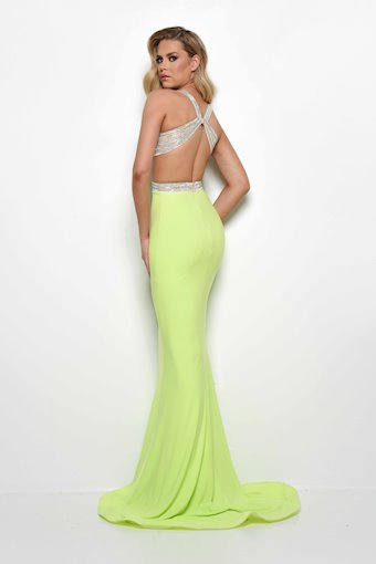 Jasz Couture Style #7032