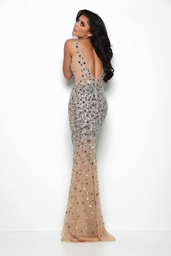 Jasz Couture Style #7077