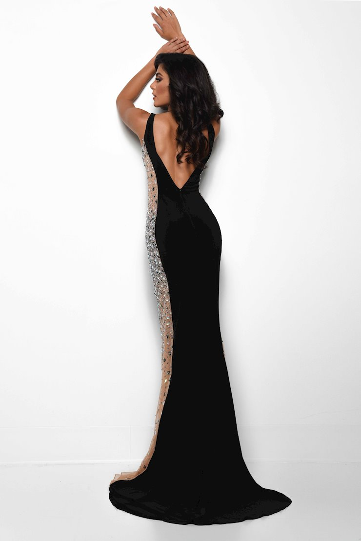 Jasz Couture Style #7078
