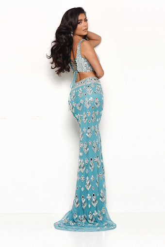 Jasz Couture Style #7114
