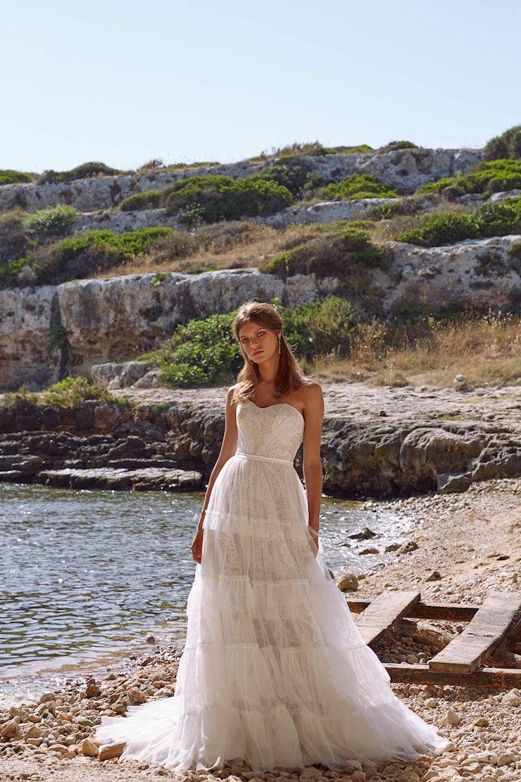 Madi Lane Style #Mariana Image
