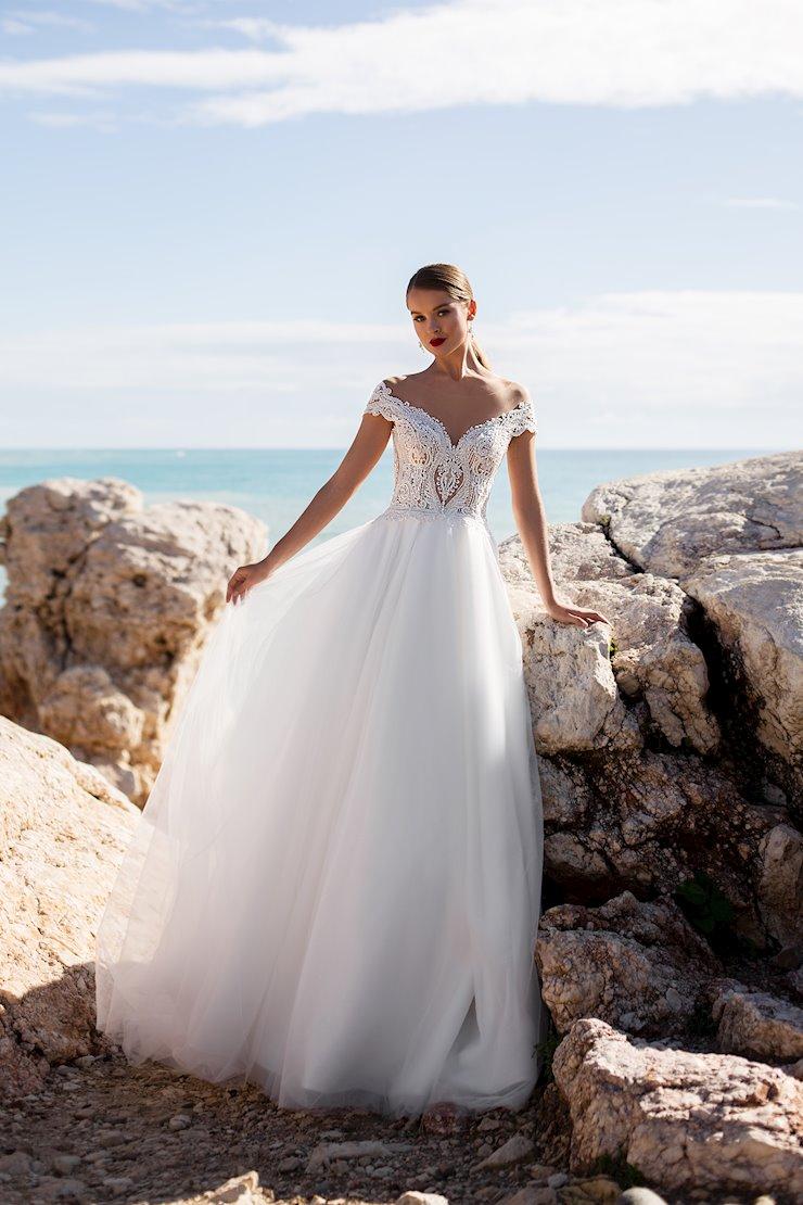 Monica Loretti Style #Lavinia Image