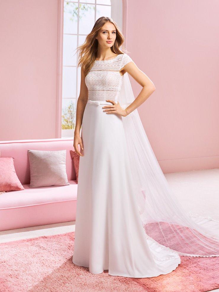 White One Style #ARIANA  Image