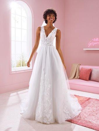 White One Style #KAREN