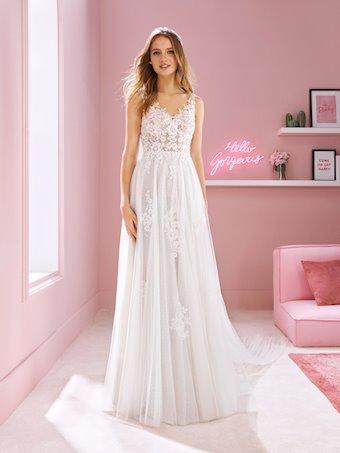 White One Style #MEGAN