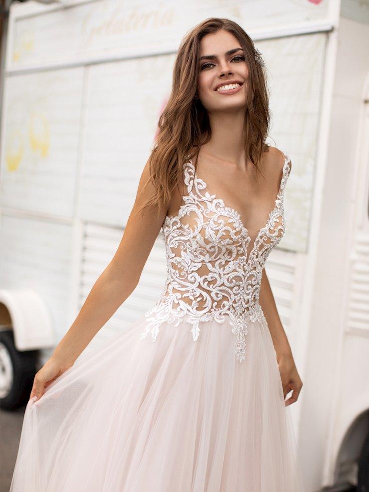 White One Style #nena  Image