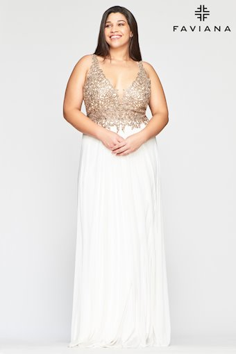 Faviana Plus Size Style: 9428